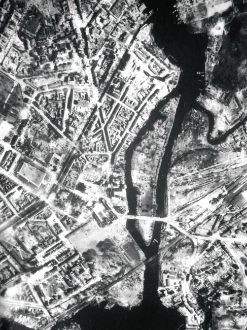Nach dem Luftangriff durch die Royal Air Force am 14. April 1945: das zerstörte Potsdam