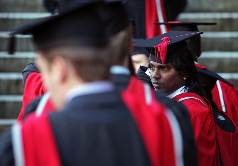"""Vor allem schwarze Studenten fühlen sich als Opfer von """"Mikroaggression"""": Feierliche Diplomverleihung an einer US-Universität"""