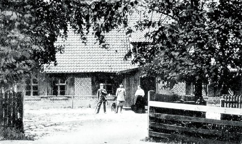 Beben in Ostpreußen: Erst 1912 wurde in der Nähe der Försterei Groß Raum eine Erdbebenwarte auf Betreiben des Geologen Alexander Torquist und des Seismologen Emil Wiechert in Betrieb genommen